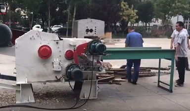 3-5T per H Plank Drum Wood Chipper Testing