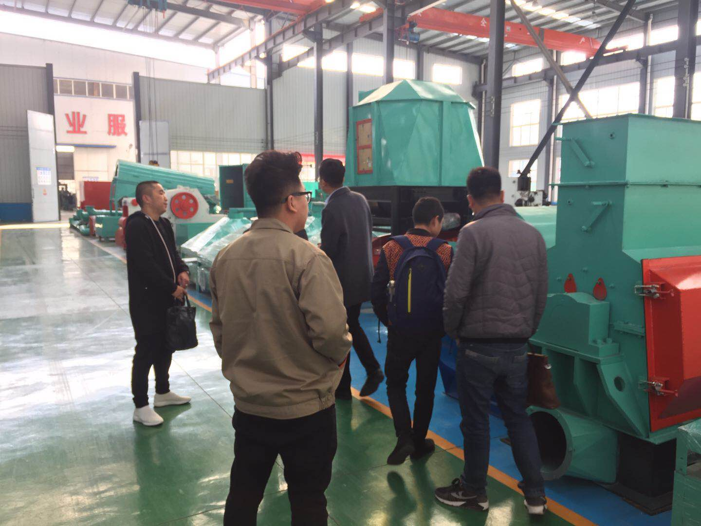 The customers from Thailand to visit the factory